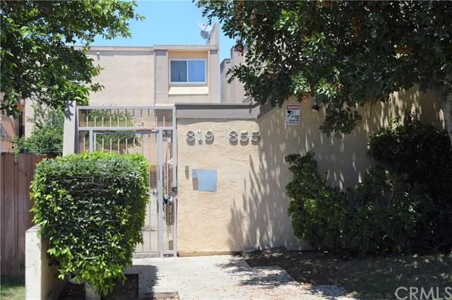 839 E 9th Street, Long Beach CA: http://media.crmls.org/medias/21b8e34a-9df4-4c80-b155-1b3f463b27b3.jpg