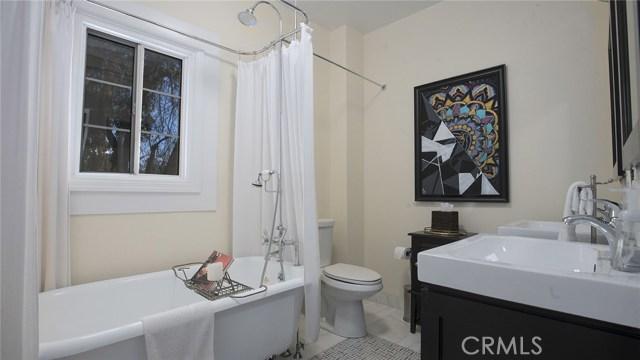 1311 S Center Street, Redlands CA: http://media.crmls.org/medias/21c564a0-6f24-4daf-967d-c84e55680933.jpg