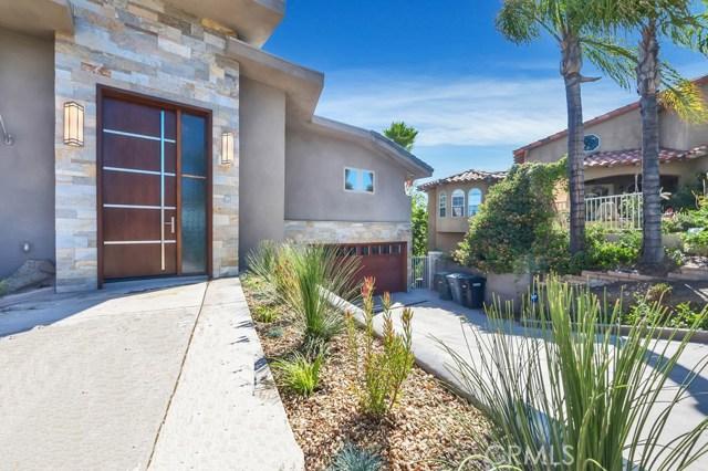 Casa Unifamiliar por un Venta en 29743 Buggywhip Court Canyon Lake, California 92587 Estados Unidos