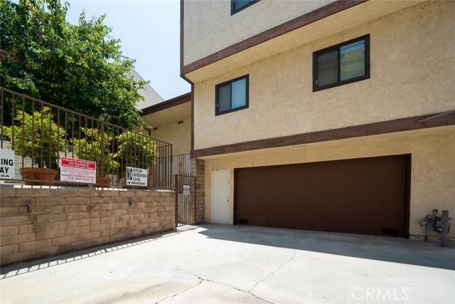 19446 Wyandotte Street, Reseda CA: http://media.crmls.org/medias/21cc2e4d-a322-4c5c-ba82-841cd039f3e3.jpg