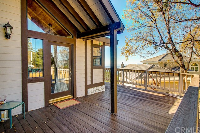 30293 Leprechaun Court, Running Springs Area CA: http://media.crmls.org/medias/21cc505c-e246-455d-a0b5-7e72c119541c.jpg