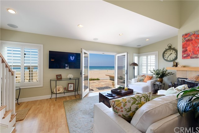 Additional photo for property listing at 608 The Strand  Manhattan Beach, Califórnia,90266 Estados Unidos