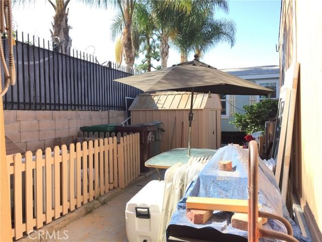 4080 W 1st Street, Santa Ana CA: http://media.crmls.org/medias/21d3749a-91f3-4b6c-8d61-67632cc53415.jpg