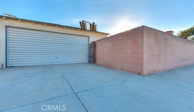 2990 Gale Avenue, Long Beach CA: http://media.crmls.org/medias/21f35f94-e1ab-46e0-adca-c51e18d3f790.jpg