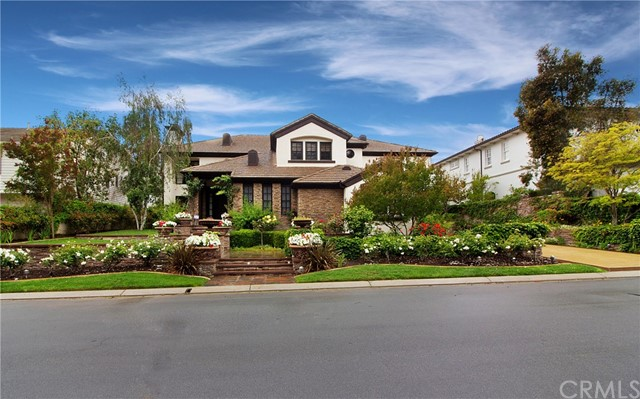 11 Canada Oaks , CA 92679 is listed for sale as MLS Listing OC18101334