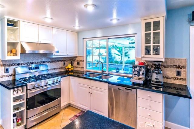 13 Winterbranch, Irvine CA: http://media.crmls.org/medias/22022364-9010-463d-8ef7-01253b5ef5af.jpg