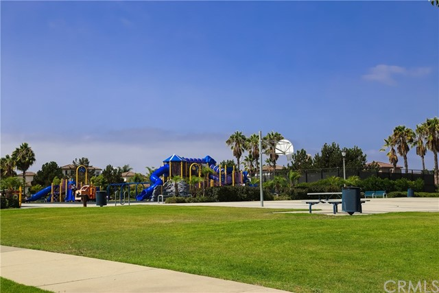 18611 Park Ridge Lane, Huntington Beach CA: http://media.crmls.org/medias/2203e2b4-1618-4153-a13d-5c4349e10523.jpg