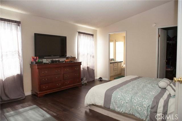 901 S Sixth S Avenue, Hacienda Heights CA: http://media.crmls.org/medias/222a14ad-299e-48e3-a409-feeab2e067b5.jpg