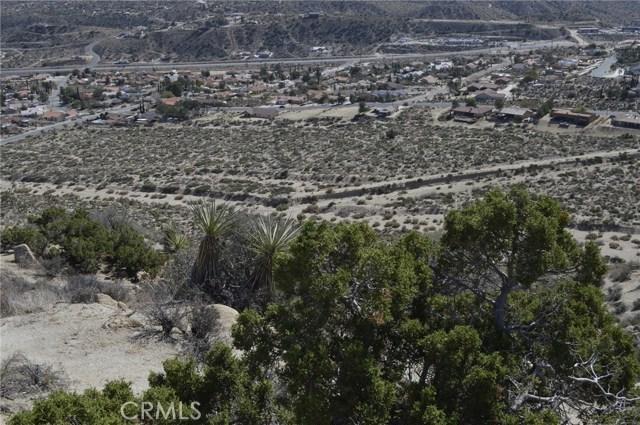 7400 Fairway Drive, Yucca Valley CA: http://media.crmls.org/medias/2262d481-f210-48b5-9c40-65a205b47fc9.jpg