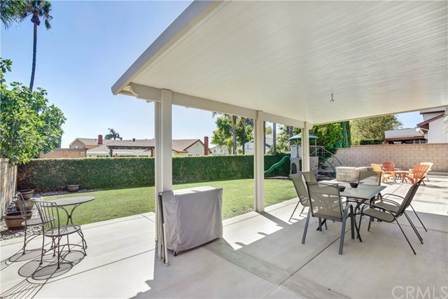 10371 Victoria Street, Rancho Cucamonga CA: http://media.crmls.org/medias/2263ce72-c0f3-4a4e-b426-284e2bfe4981.jpg