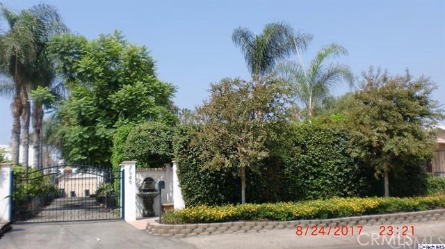 独户住宅 为 销售 在 7549 N Claybeck Avenue Sun Valley, 91505 美国