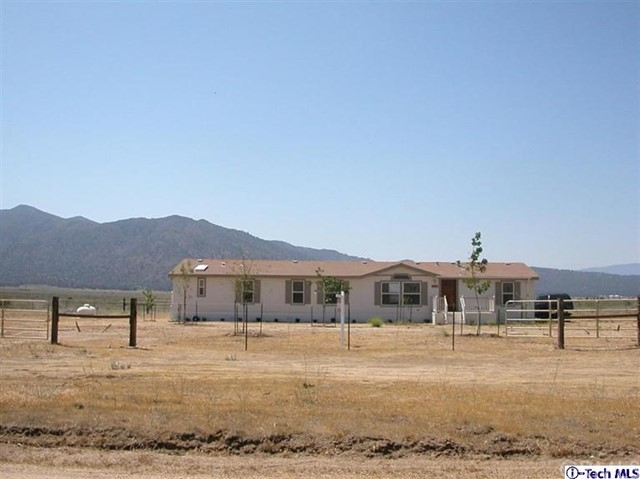 Single Family for Sale at 21926 Sample Avenue Caliente, California 93518 United States