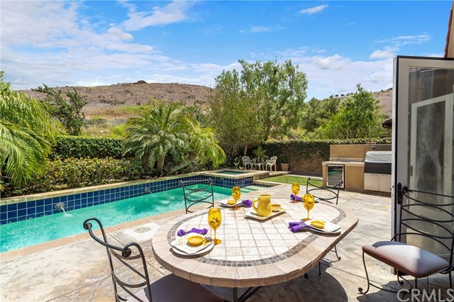 1 Shade Tree , CA 92603 is listed for sale as MLS Listing OC18152565