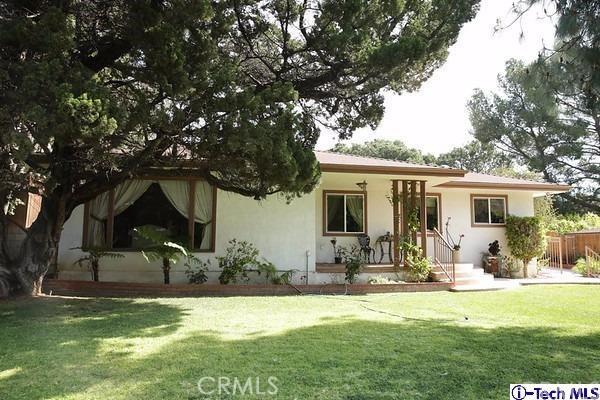 Single Family Home for Sale at 3835 Honolulu Avenue Glendale, California 91214 United States