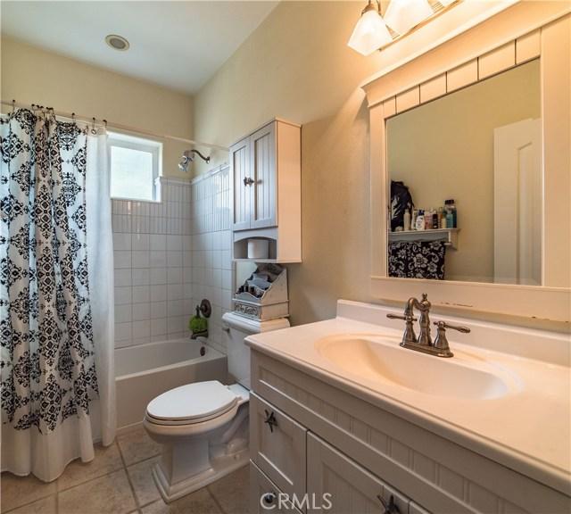 22941 Gold Rush Place, Canyon Lake CA: http://media.crmls.org/medias/227b4a45-45c3-4760-a369-f3d9e57c479b.jpg