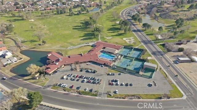 13330 Palos Grande Drive, Victorville CA: http://media.crmls.org/medias/227d0783-ca6d-4a4b-a861-f20694745d40.jpg