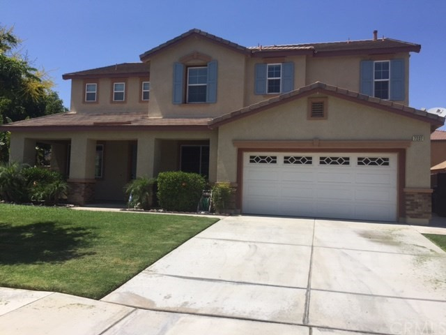 7237 Beckett Field Ln, Eastvale, CA 92880