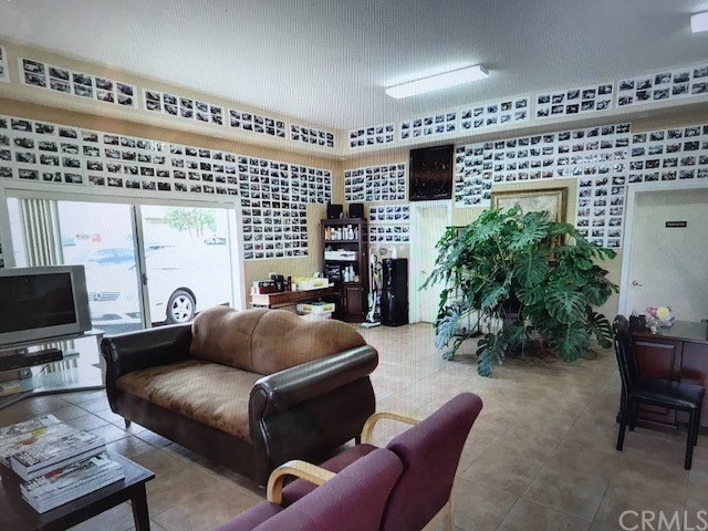 Retail for Sale at 603 S Harbor Boulevard Fullerton, 92832 United States
