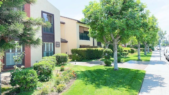 585 W Duarte Road, Arcadia CA: http://media.crmls.org/medias/2299d25c-52fe-4284-83ae-f93f34bf8663.jpg