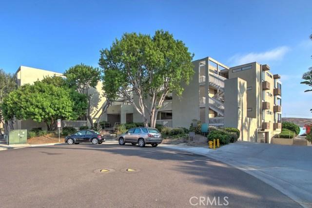 4513 Cove Drive, Carlsbad CA: http://media.crmls.org/medias/229afae1-87ba-4b90-8aef-37e28baf0b65.jpg