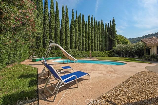 8448 Paradise Lagoon Drive, Lucerne CA: http://media.crmls.org/medias/229dfbb8-ffd2-425a-b66e-8ba38b130671.jpg