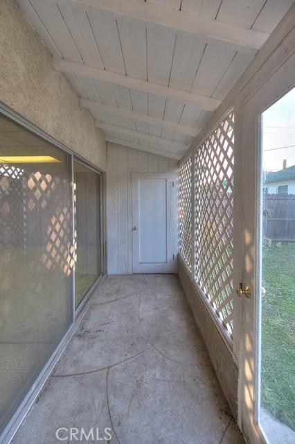 2990 Gale Avenue, Long Beach CA: http://media.crmls.org/medias/229f6e7b-f38a-4c2e-8e1d-8d3b24f4189e.jpg