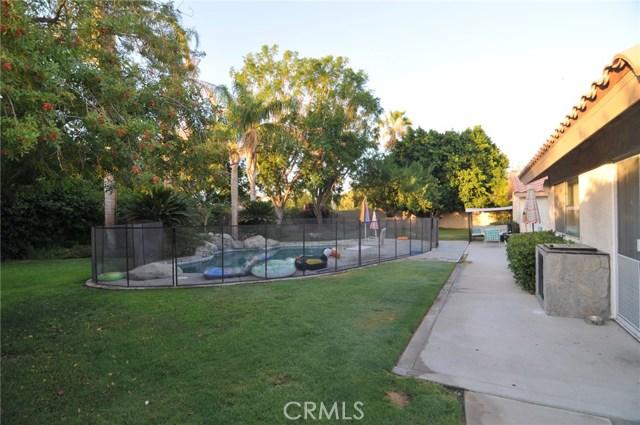 76820 Castle Court, Palm Desert CA: http://media.crmls.org/medias/22a3d1ed-6822-4ccd-91d6-c89765b7b371.jpg