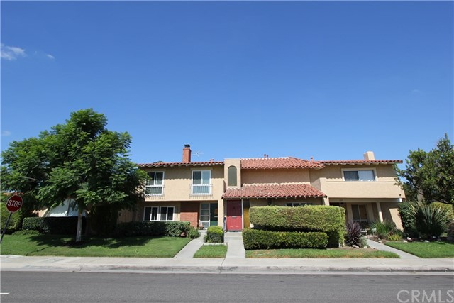 17645 Los Jardines Fountain Valley, CA 92708 is listed for sale as MLS Listing DW16703456