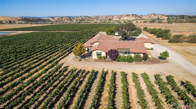 7755 Airport Road, Paso Robles, CA 93446