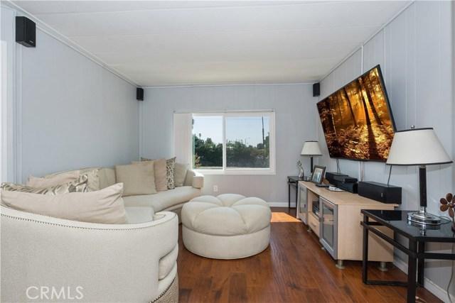25660 Araucana Street, Hemet CA: http://media.crmls.org/medias/22bbb098-9444-4f43-a1cd-b439902c8768.jpg