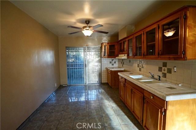 395 W Grand Avenue, Pomona CA: http://media.crmls.org/medias/22bc35f0-d362-4f6a-9f0a-e0b599924fb9.jpg
