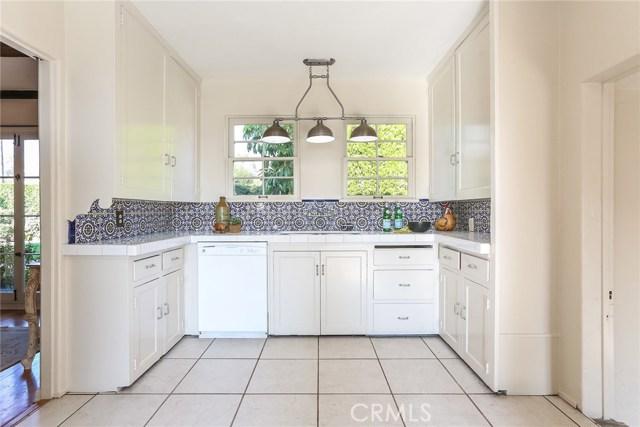 1661 La Cresta Drive, Pasadena CA: http://media.crmls.org/medias/22bc7e1d-ba2d-4dc7-92a2-d4ddd991c678.jpg