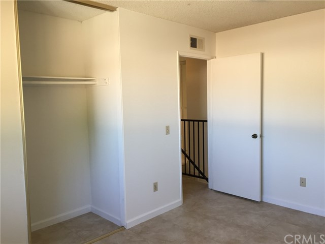 5830 Cloverly Avenue, Temple City CA: http://media.crmls.org/medias/22c398be-49af-4494-81ad-de277ee4576e.jpg