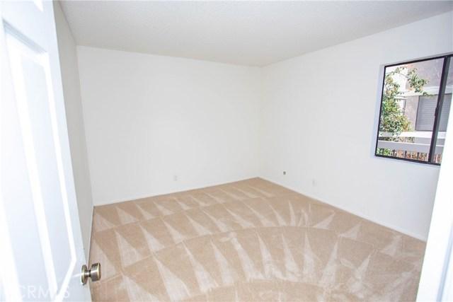 365 W Alameda Avenue, Burbank CA: http://media.crmls.org/medias/22dfa1b0-4be9-4e6c-95df-6e325880c496.jpg