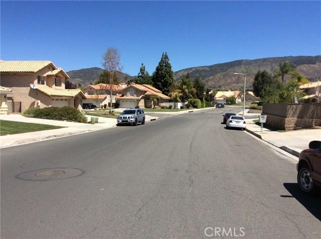 10809 Sunnyside Drive, Yucaipa CA: http://media.crmls.org/medias/22eb3f36-7978-453f-b6ac-1ba81e4cf16a.jpg
