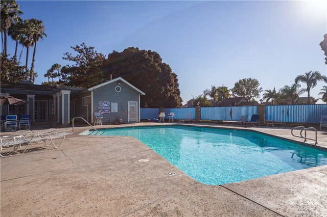 16960 Algonquin Street Unit 2-204 Huntington Beach, CA 92649 - MLS #: OC18196322