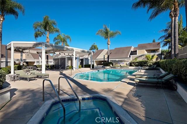 2554 Elden Avenue, Costa Mesa CA: http://media.crmls.org/medias/2316d277-c190-4628-97ed-6568a12da27a.jpg