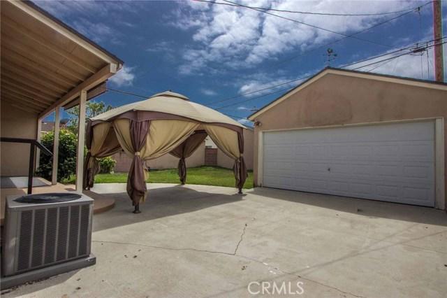 3753 Petaluma Avenue, Long Beach CA: http://media.crmls.org/medias/231bca9b-c427-4b7d-8940-927dffff3a39.jpg