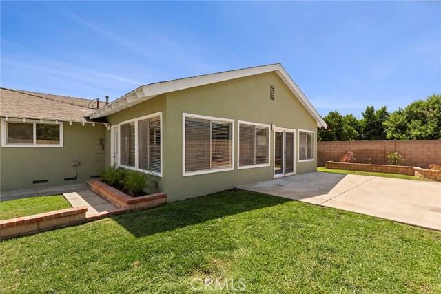 2483 W Harriet Lane, Anaheim CA: http://media.crmls.org/medias/231d7bc1-b309-4b07-b598-09ad0582c14a.jpg