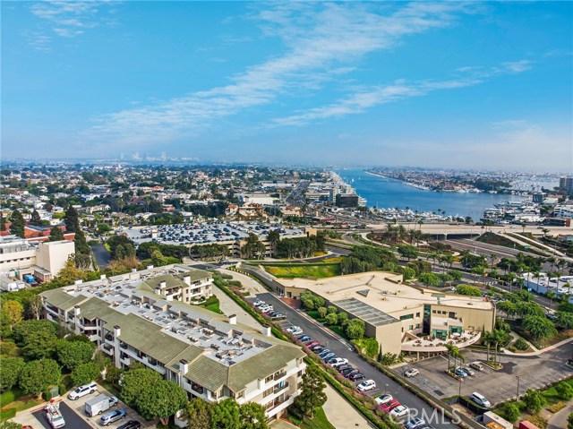 280 Cagney Lane, Newport Beach CA: http://media.crmls.org/medias/232339fa-abb8-435a-9ba2-a8ee806de00c.jpg