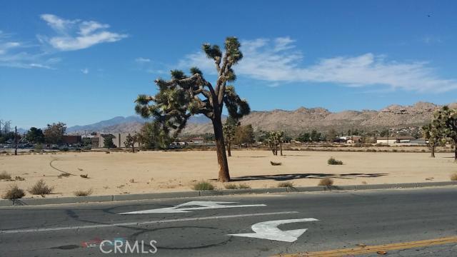 57794 Twentynine Palms, Yucca Valley CA: http://media.crmls.org/medias/232cec79-b4d7-4cb4-a32c-8512c5292bbd.jpg