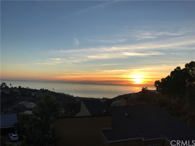 2210 Hillview Drive - Laguna Beach, California