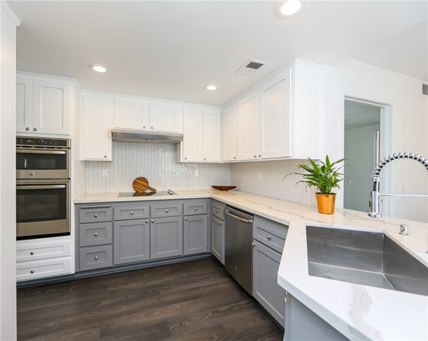 620 Holbrook Court 101 Long Beach, CA 90803 is listed for sale as MLS Listing PW17187461