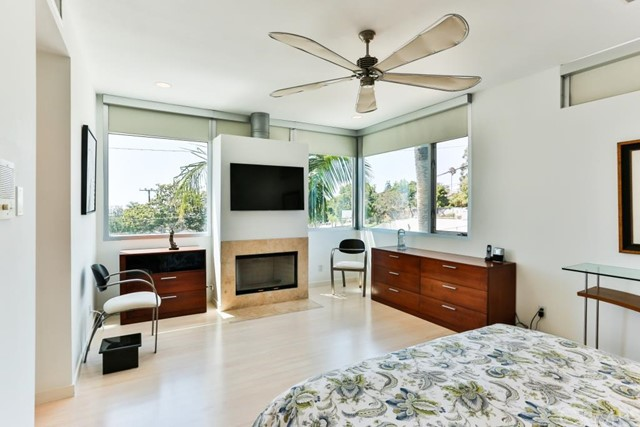Additional photo for property listing at 330 Hollowell Avenue  Hermosa Beach, California,90254 United States