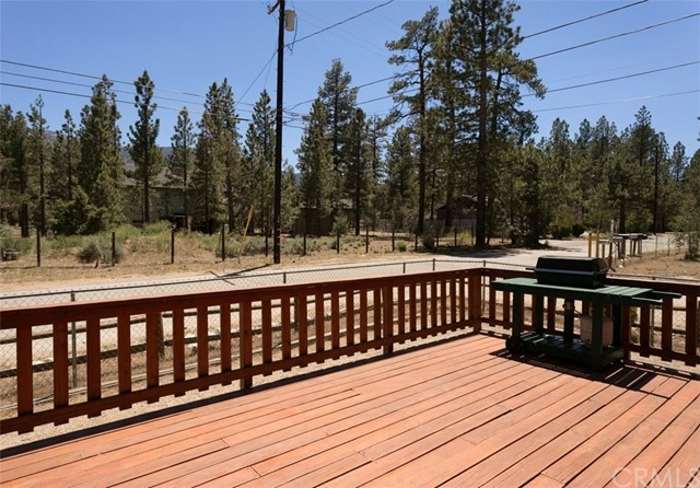 898 A Lane Big Bear, CA 92314 - MLS #: EV17139291