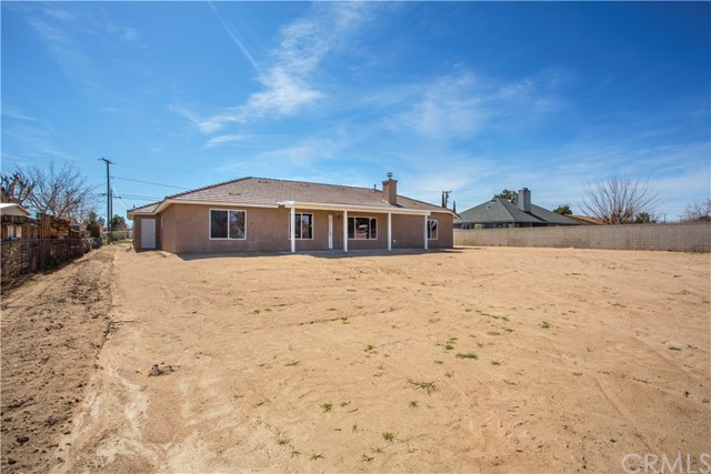 Additional photo for property listing at 15946 Vine Street  Hesperia, California 92345 United States