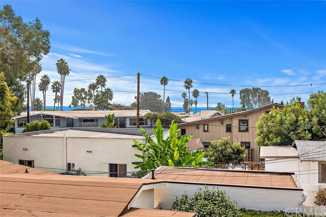 332 Poplar Street, Laguna Beach CA: http://media.crmls.org/medias/237a9828-f6a0-4c37-a8f3-d97c4f0bdf9c.jpg