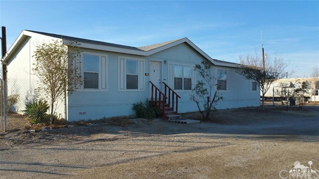 Single Family Home for Sale at 9533 Avenue B Bombay Beach, California 92257 United States