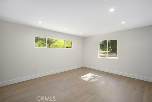14811 Jadestone Drive, Sherman Oaks CA: http://media.crmls.org/medias/23b9eb44-7ace-475c-823d-c144577db5e3.jpg