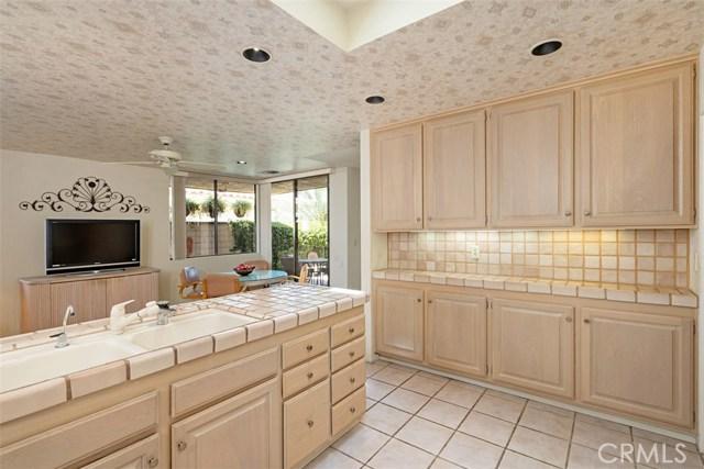 42 Lafayette Drive, Rancho Mirage CA: http://media.crmls.org/medias/23ba3e0b-748a-4593-9a65-1304d4cd182a.jpg